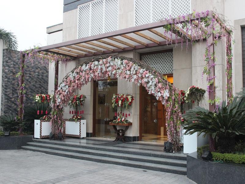 Senate Hall Entrance 1